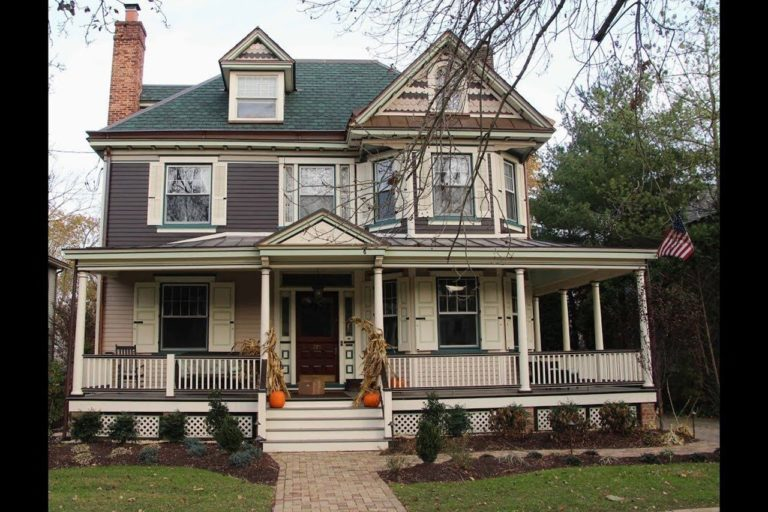 Grand Manor Sherwood Forest Green Shingles on an American Four-Square Haddonfield NJ