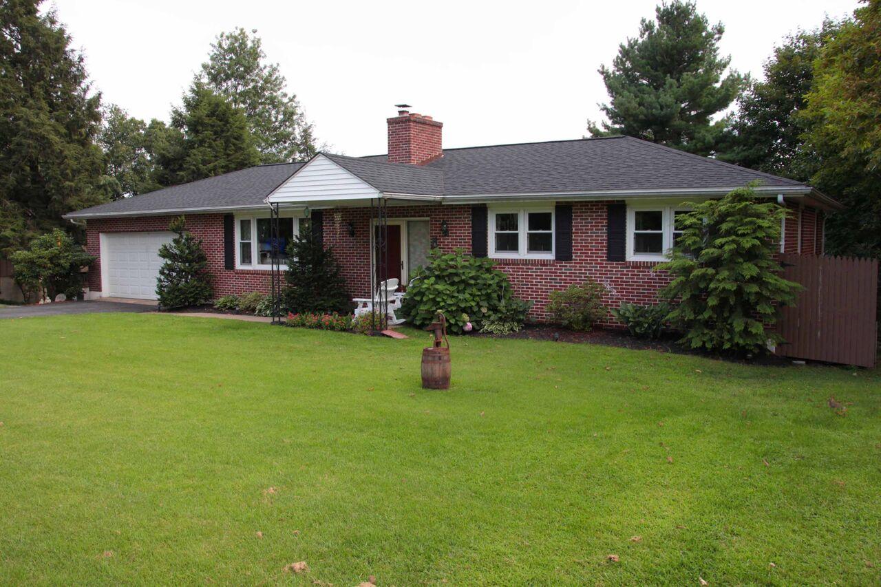 red brick house with LandMark Pro Shingles Phoenixville Pa